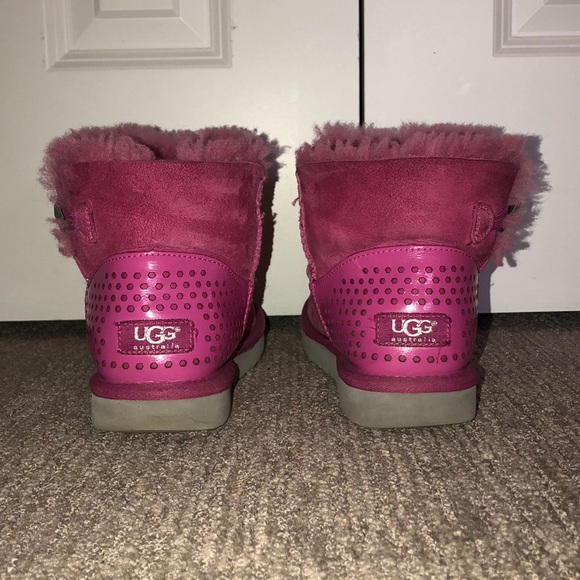 5339dc6acb2 Limited Edition Mini Bailey Button Ugg